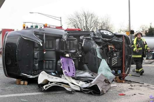 2-2-10 – 4 vehicle MVA rollover w entrapment Rt  9 and Perrine Rd